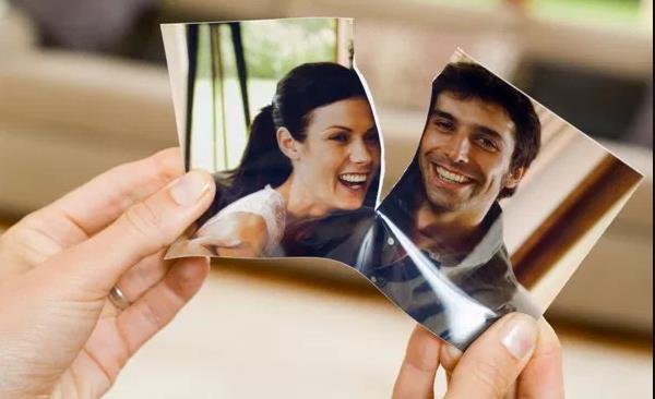 Δυσκολία που χρονολογείται μετά το διαζύγιο