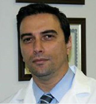 ο κ. Γεώργιος Βασταρδής, MD, Ph, Χειρουργός Σπονδυλικής Στήλης, Διευθυντής Κλινικής Ενδοσκοπικής και Ελάχιστα Επεμβατικής Χειρουργικής Σπονδυλικής Στήλης