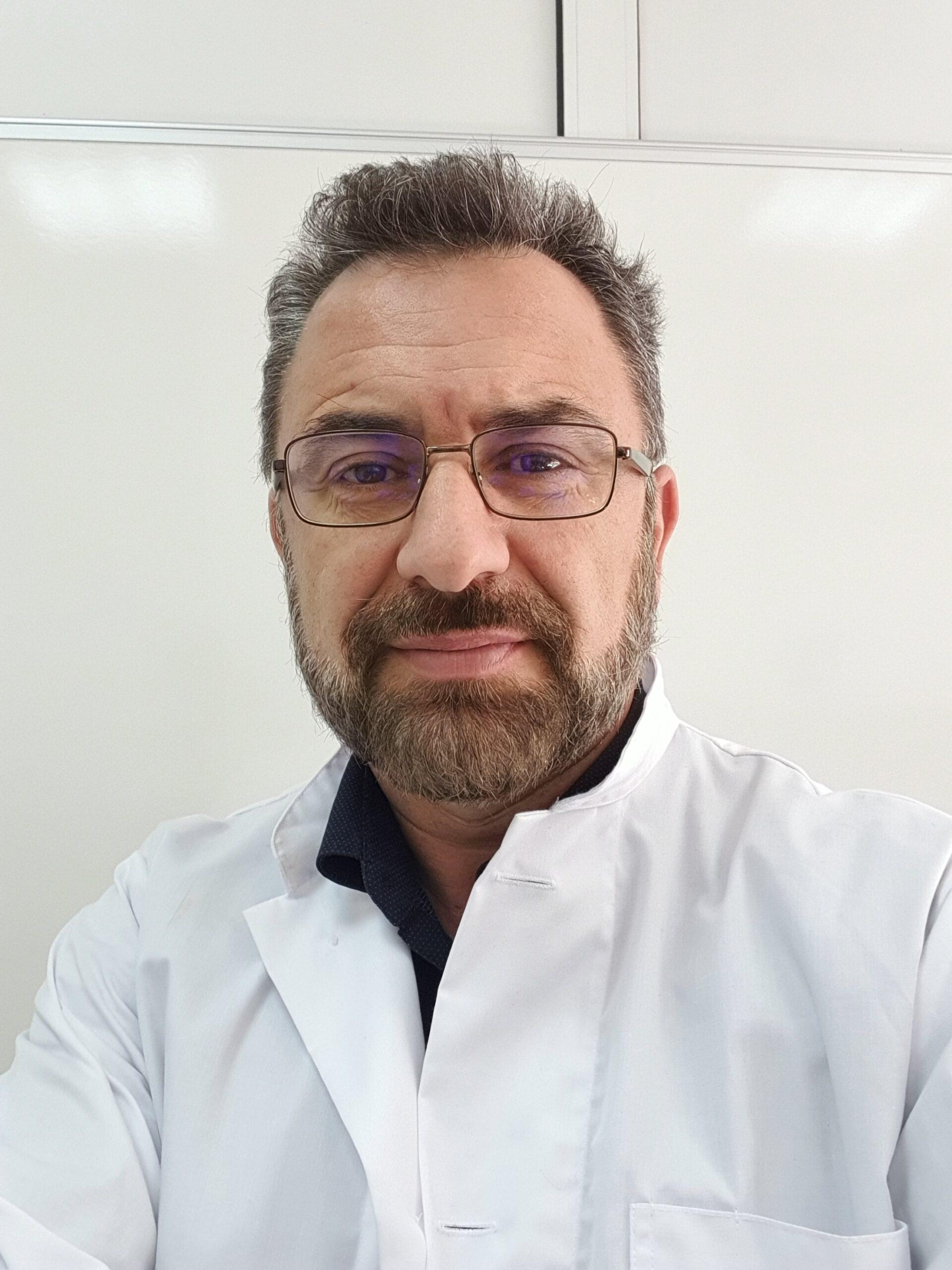 Ο κ. Νικόλαος Σπανάκης, Αναπληρωτής Καθηγητής του Πανεπιστημίου Αθηνών και Υπεύθυνος του Εργαστηρίου Μοριακής Βιολογίας του Ομίλου HHG